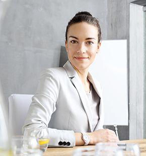 Betriebswirte arbeiten für Wirtschaftsjobs, Arbeitsangebote, Stellen, Berufsangebote, Stellenangebote, Stellenanzeigen, Stellenausschreibungen, Vakanzen und sind am Arbeitsplatz, beim Beruf, bei der Arbeit, Arbeitsstelle, Beschäftigung als Bewerber, Anwärter, Kandidaten, Aspiranten, Angestellter, Arbeitnehmer, Berufstätiger, Mitarbeiter und Interessenten beschäftigt
