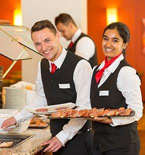 Catering Personal, Leiharbeiter, Zeitarbeiter, Leiharbeitnehmer, Leihkraft, Temporärarbeiter arbeiten für Gastronomie Jobs, Gastrojobs, Hotel Jobs, Hotellerie Jobs, Restaurant Jobs, Gastgewerbe Jobs, Restaurants, Cafes, Hotels, Arbeitsangebote, Stellen, Berufsangebote, Stellenangebote, Stellenanzeigen, Stellenausschreibungen, Vakanzen und sind am Arbeitsplatz, beim Beruf, bei der Arbeit, Arbeitsstelle, Beschäftigung als Bewerber, Anwärter, Kandidaten, Aspiranten, Angestellter, Arbeitnehmer, Berufstätiger, Mitarbeiter und Interessenten beschäftigt bei uns als Personalagentur, Zeitarbeitsfirma, Zeitarbeitsunternehmen, Personal-Service-Agentur, Personaldienstleistungsagentur und Leiharbeitsfirma per Arbeitnehmer-Leasing, Arbeitnehmerüberlassung, Arbeitskräfte-Leasing, Arbeitskräfteüberlassung, Arbeitskraftüberlassung, Leiharbeit, Mitarbeiter-Leasing, Mitarbeiterleasing, Mitarbeiterüberlassung, Personaldienstleistung, Personalleasing, Personalüberlassung, Temporärarbeit, Zeitarbeit buchen, mieten, leihen oder langfristig neue Mitarbeiter für Jobs wie Schülerjobs, Ferienjobs, Aushilfsjobs, Studentenjobs, Werkstudentenjobs, Saisonjobs, Vollzeit Jobs, Teilzeit Jobs, Nebenjobs, Temporär Jobs, Gelegenheitsjobs per Personalvermittlung suchen, finden und vermittelt bekommen und arbeiten für Hotel Jobs, Arbeitsangebote, Stellen, Berufsangebote, Stellenangebote, Stellenanzeigen, Stellenausschreibungen, Vakanzen und sind am Arbeitsplatz, beim Beruf, bei der Arbeit, Arbeitsstelle, Beschäftigung als Bewerber, Anwärter, Kandidaten, Aspiranten, Angestellter, Arbeitnehmer, Berufstätiger, Mitarbeiter und Interessenten beschäftigt