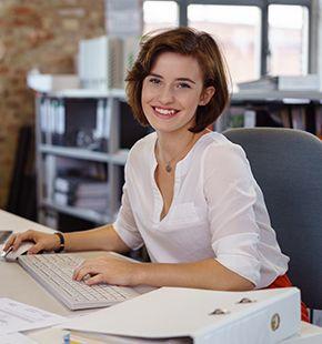 Controller arbeiten für Wirtschaftsjobs, Arbeitsangebote, Stellen, Berufsangebote, Stellenangebote, Stellenanzeigen, Stellenausschreibungen, Vakanzen und sind am Arbeitsplatz, beim Beruf, bei der Arbeit, Arbeitsstelle, Beschäftigung als Bewerber, Anwärter, Kandidaten, Aspiranten, Angestellter, Arbeitnehmer, Berufstätiger, Mitarbeiter und Interessenten beschäftigt