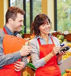 Inventurhelfer arbeiten für Handel Jobs, Verkaufsjobs, Verkauf Jobs, Arbeitsangebote, Stellen, Berufsangebote, Stellenangebote, Stellenanzeigen, Stellenausschreibungen, Vakanzen und sind am Arbeitsplatz, beim Beruf, bei der Arbeit, Arbeitsstelle, Beschäftigung als Bewerber, Anwärter, Kandidaten, Aspiranten, Angestellter, Arbeitnehmer, Berufstätiger, Mitarbeiter und Interessenten beschäftigt