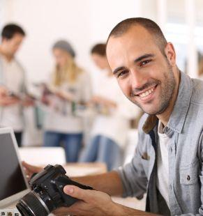 Medienpersonal wie Journalisten, Lektoren, Mediendesigner, Producer, Leiharbeiter, Zeitarbeiter, Leiharbeitnehmer, Leihkraft, Temporärarbeiter für Medien bei uns als Personalagentur, Zeitarbeitsfirma, Zeitarbeitsunternehmen, Personal-Service-Agentur, Personaldienstleistungsagentur und Leiharbeitsfirma per Arbeitnehmer-Leasing, Arbeitnehmerüberlassung, Arbeitskräfte-Leasing, Arbeitskräfteüberlassung, Arbeitskraftüberlassung, Leiharbeit, Mitarbeiter-Leasing, Mitarbeiterleasing, Mitarbeiterüberlassung, Personaldienstleistung, Personalleasing, Personalüberlassung, Temporärarbeit, Zeitarbeit buchen, mieten, leihen oder langfristig neue Mitarbeiter für Jobs wie Schülerjobs, Ferienjobs, Aushilfsjobs, Studentenjobs, Werkstudentenjobs, Saisonjobs, Vollzeit Jobs, Teilzeit Jobs, Nebenjobs, Temporär Jobs, Gelegenheitsjobs per Personalvermittlung suchen, finden und vermittelt bekommen