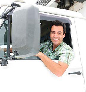 LKW-Fahrer arbeiten für Logistik Jobs, Lager Jobs, Lagerjobs, Arbeitsangebote, Stellen, Berufsangebote, Stellenangebote, Stellenanzeigen, Stellenausschreibungen, Vakanzen und sind am Arbeitsplatz, beim Beruf, bei der Arbeit, Arbeitsstelle, Beschäftigung als Bewerber, Anwärter, Kandidaten, Aspiranten, Angestellter, Arbeitnehmer, Berufstätiger, Mitarbeiter und Interessenten beschäftigt