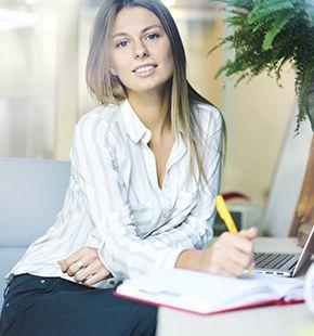 Lektoren arbeiten für Medien Jobs, Arbeitsangebote, Stellen, Berufsangebote, Stellenangebote, Stellenanzeigen, Stellenausschreibungen, Vakanzen und sind am Arbeitsplatz, beim Beruf, bei der Arbeit, Arbeitsstelle, Beschäftigung als Bewerber, Anwärter, Kandidaten, Aspiranten, Angestellter, Arbeitnehmer, Berufstätiger, Mitarbeiter und Interessenten beschäftigt