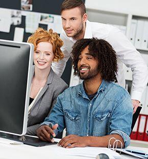 Mediendesigner arbeiten für Medien Jobs, Arbeitsangebote, Stellen, Berufsangebote, Stellenangebote, Stellenanzeigen, Stellenausschreibungen, Vakanzen und sind am Arbeitsplatz, beim Beruf, bei der Arbeit, Arbeitsstelle, Beschäftigung als Bewerber, Anwärter, Kandidaten, Aspiranten, Angestellter, Arbeitnehmer, Berufstätiger, Mitarbeiter und Interessenten