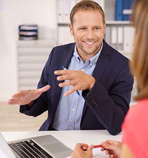PR-Berater arbeiten für Marketing Jobs, Werbung, Medien Jobs, Arbeitsangebote, Stellen, Berufsangebote, Stellenangebote, Stellenanzeigen, Stellenausschreibungen, Vakanzen und sind am Arbeitsplatz, beim Beruf, bei der Arbeit, Arbeitsstelle, Beschäftigung als Bewerber, Anwärter, Kandidaten, Aspiranten, Angestellter, Arbeitnehmer, Berufstätiger, Mitarbeiter und Interessenten beschäftigt