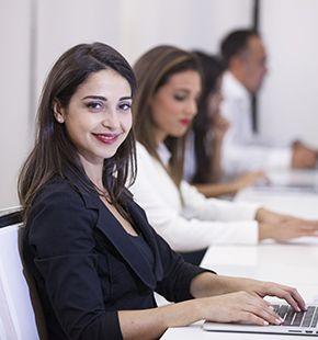 Sachbearbeiter arbeiten für Büro Jobs, Office Jobs, Arbeitsangebote, Stellen, Berufsangebote, Stellenangebote, Stellenanzeigen, Stellenausschreibungen, Vakanzen und sind am Arbeitsplatz, beim Beruf, bei der Arbeit, Arbeitsstelle, Beschäftigung als Bewerber, Anwärter, Kandidaten, Aspiranten, Angestellter, Arbeitnehmer, Berufstätiger, Mitarbeiter und Interessenten