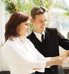 Sales-Hostessen im Einsatz auf Messen, Kongresse und Events
