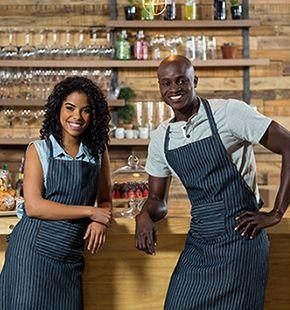 Servicekräfte arbeiten für Gastronomie Jobs, Gastrojobs, Hotel Jobs, Hotellerie Jobs, Restaurant Jobs, Gastgewerbe Jobs, Arbeitsangebote, Stellen, Berufsangebote, Stellenangebote, Stellenanzeigen, Stellenausschreibungen, Vakanzen und sind am Arbeitsplatz, beim Beruf, bei der Arbeit, Arbeitsstelle, Beschäftigung als Bewerber, Anwärter, Kandidaten, Aspiranten, Angestellter, Arbeitnehmer, Berufstätiger, Mitarbeiter und Interessenten beschäftigt