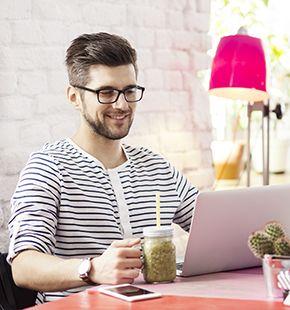 Texter arbeiten für Marketing Jobs, Werbung, Medien Jobs, Arbeitsangebote, Stellen, Berufsangebote, Stellenangebote, Stellenanzeigen, Stellenausschreibungen, Vakanzen und sind am Arbeitsplatz, beim Beruf, bei der Arbeit, Arbeitsstelle, Beschäftigung als Bewerber, Anwärter, Kandidaten, Aspiranten, Angestellter, Arbeitnehmer, Berufstätiger, Mitarbeiter und Interessenten beschäftigt