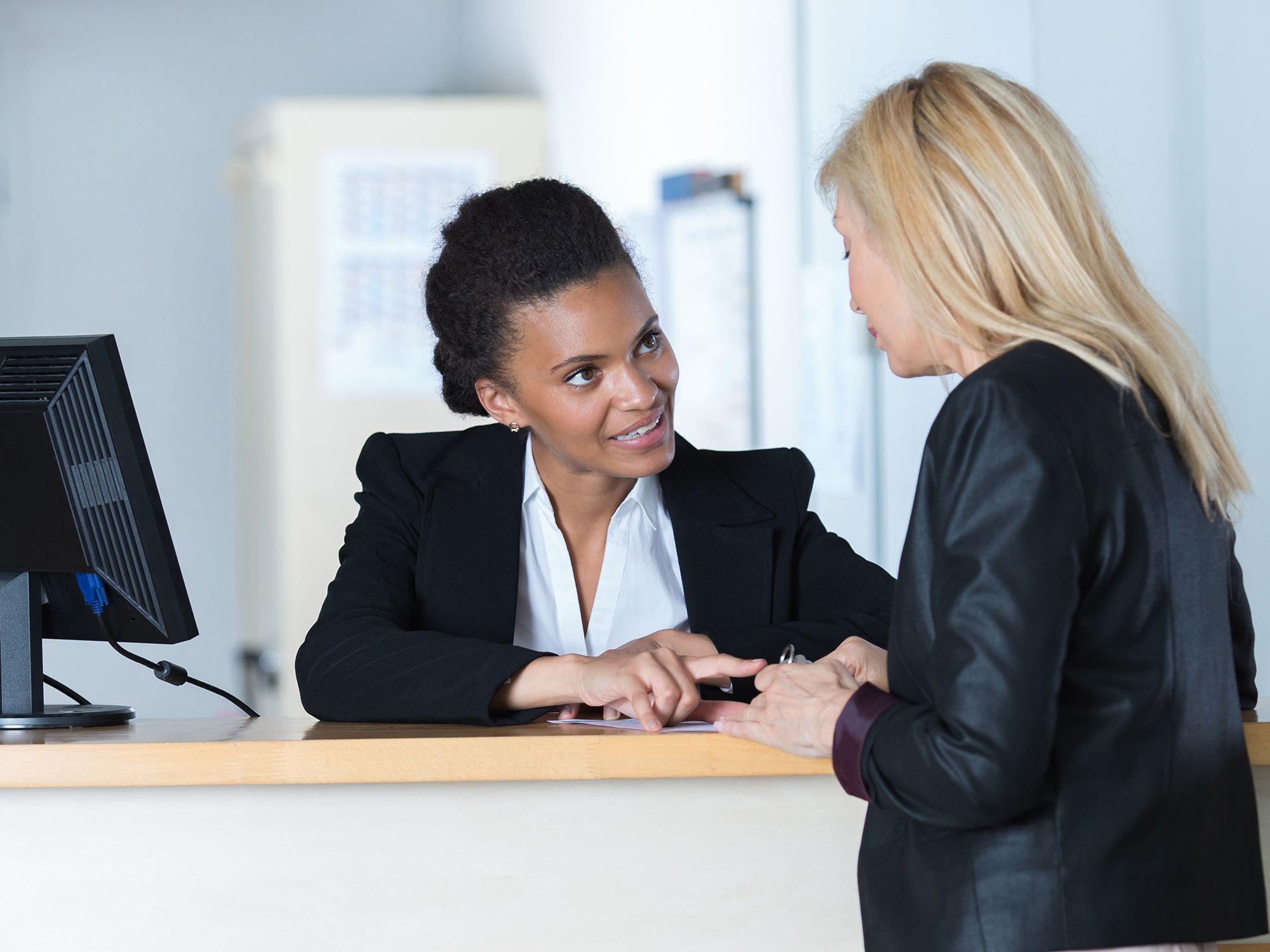 Level 5 - Empfangsmitarbeiter wie Rezeptionistin, Rezeptionisten, Empfangskräfte, Empfangsdamen, Empfangsherren, Empfangskraft, Empfangsassistenten, Empfangsassistentin, Empfangsangestellte, Empfangsassistenz, Empfangschef, Empfangspersonal, Empfangssekretärin, Empfangsservice, Front Office Agent, Front Office Manager, Rezeptionsmitarbeiter, Rezeptionsfachkraft, Tresenkraft, Tresenmitarbeiter, Bürohilfskraft, Bürofachkraft und Bürokraft für Büros, Büroarbeit, Büroaufgaben, Bürotätigkeiten, Büroorganisation, Urlaubsvertretung und Rekrutierung per Zeitarbeit, Arbeitnehmerüberlassung, Personalüberlassung und Personalvermittlung buchen und finden