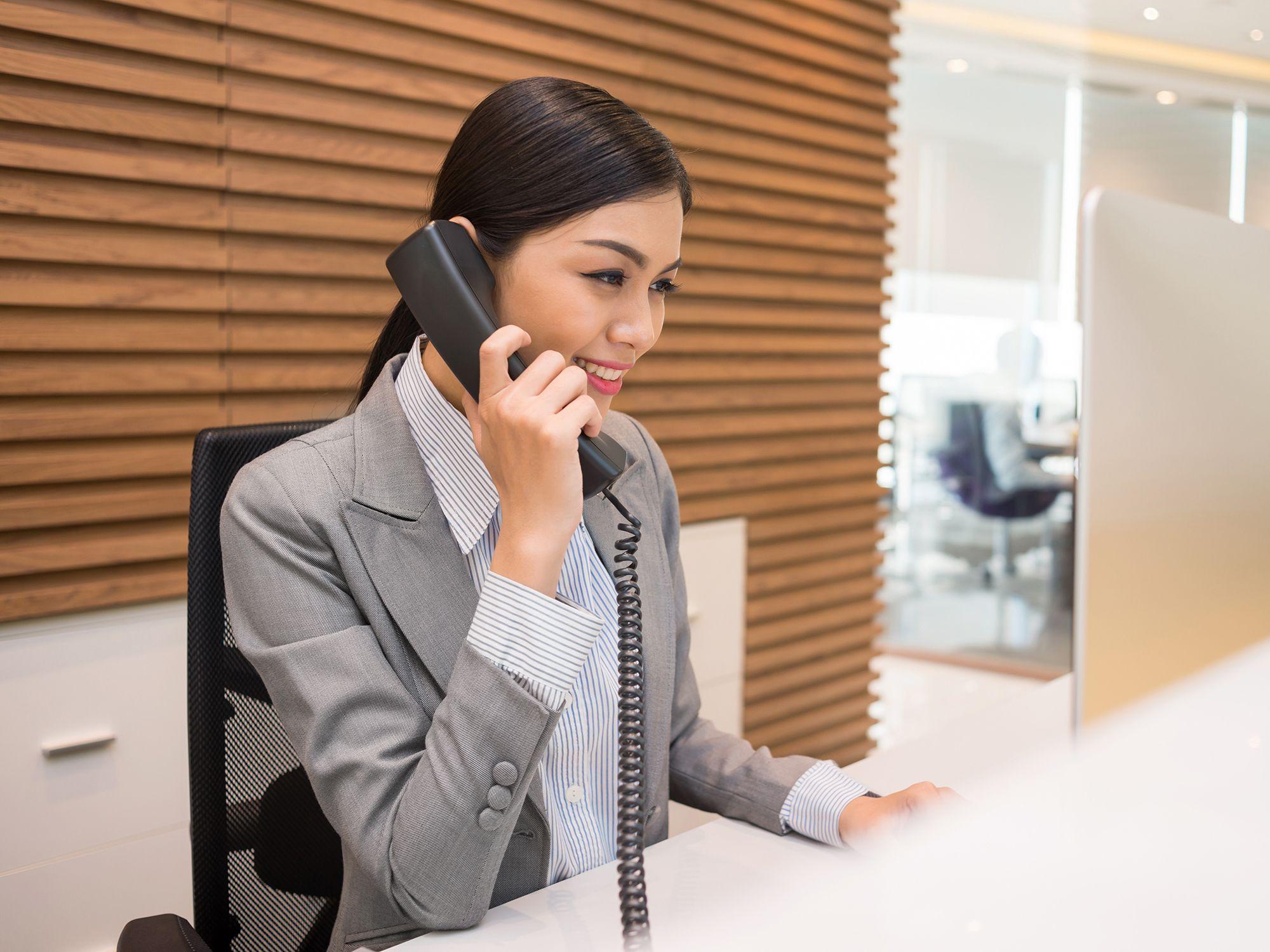 Level 6 - Empfangsmitarbeiter wie Rezeptionistin, Rezeptionisten, Empfangskräfte, Empfangsdamen, Empfangsherren, Empfangskraft, Empfangsassistenten, Empfangsassistentin, Empfangsangestellte, Empfangsassistenz, Empfangschef, Empfangspersonal, Empfangssekretärin, Empfangsservice, Front Office Agent, Front Office Manager, Rezeptionsmitarbeiter, Rezeptionsfachkraft, Tresenkraft, Tresenmitarbeiter, Bürohilfskraft, Bürofachkraft und Bürokraft für Büros, Büroarbeit, Büroaufgaben, Bürotätigkeiten, Büroorganisation, Urlaubsvertretung und Rekrutierung per Zeitarbeit, Arbeitnehmerüberlassung, Personalüberlassung und Personalvermittlung buchen und finden